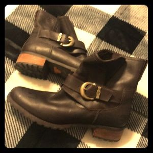 Timberland woman's boots 9.5